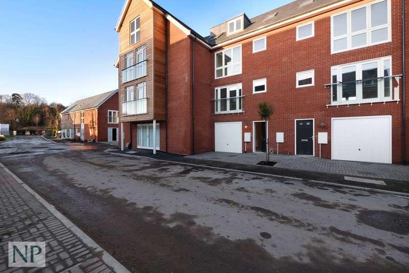 4 Bedrooms Town House for sale in Deben Meadows, Melton, Woodbridge