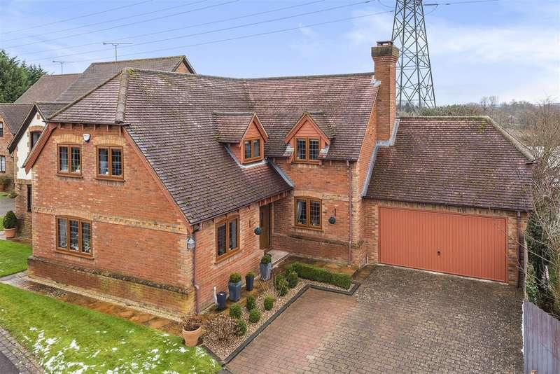 4 Bedrooms Detached House for sale in Blandford Drive, Wokingham, Berkshire, RG41 4EN