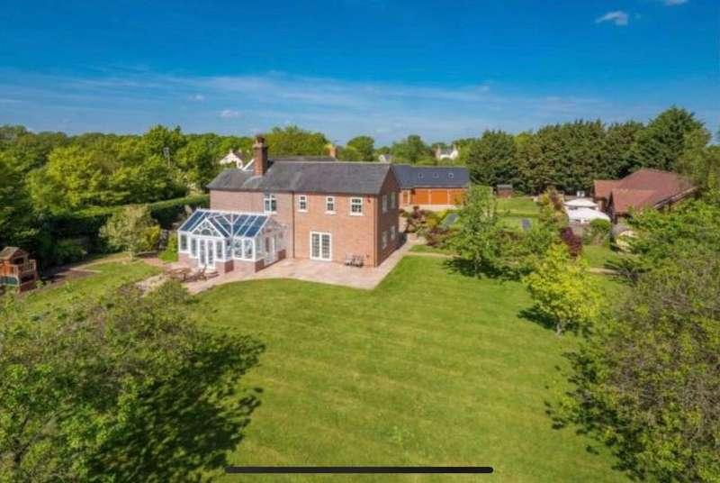 6 Bedrooms Detached House for sale in Oak Road, Halstead