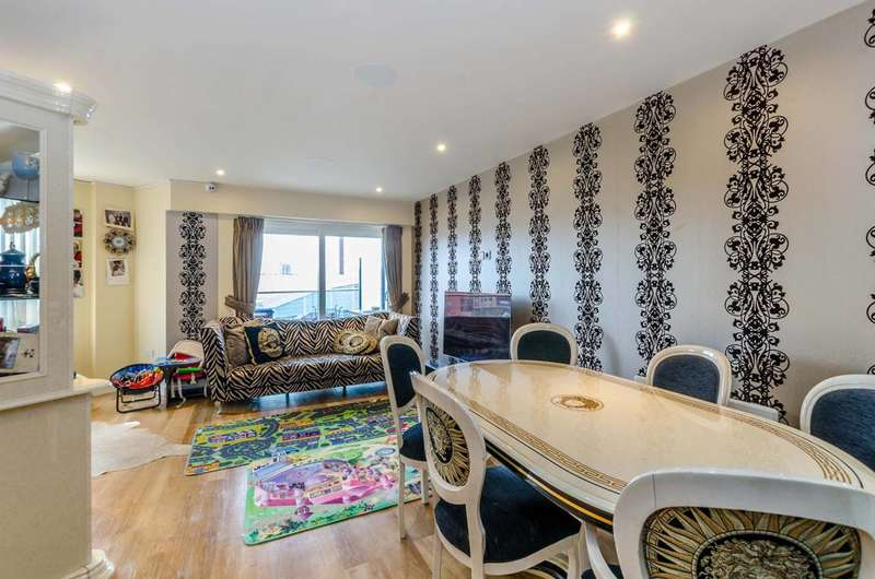 2 Bedrooms Flat for sale in Aerodrome Road, Hendon, NW9