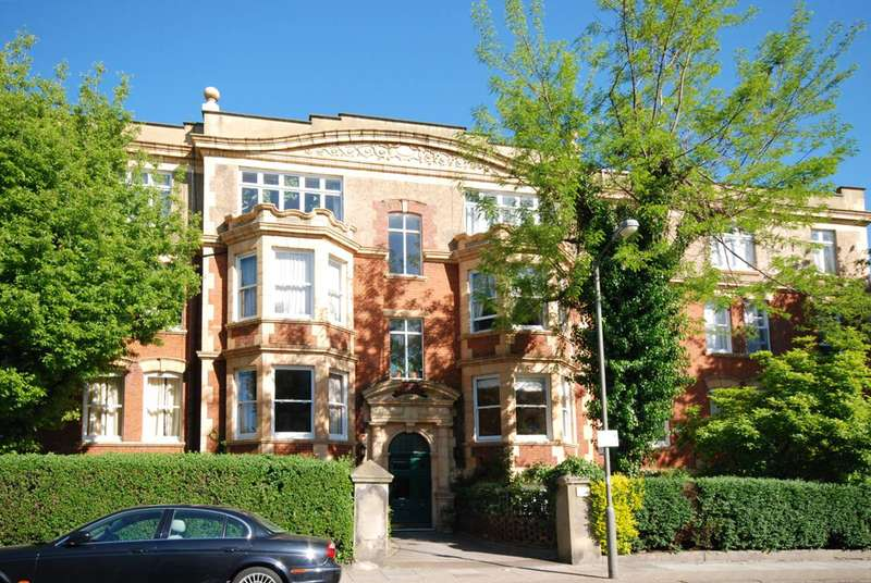 3 Bedrooms Flat for sale in Erpingham Road, West Putney, SW15