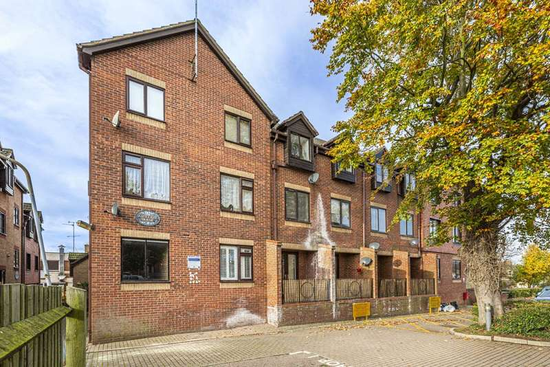 1 Bedroom Apartment Flat for sale in Ashleigh House, Rushden, Northamptonshire, NN10