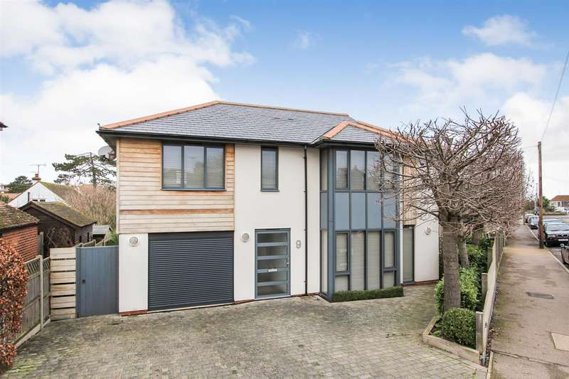 3 Bedrooms Detached House for sale in St. Annes Road, Whitstable