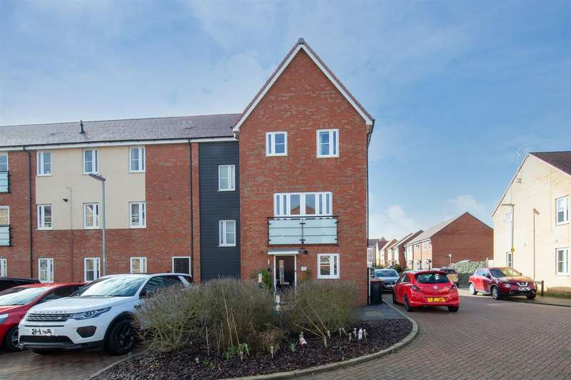 3 Bedrooms Town House for sale in Wolseley Drive, Dunstable
