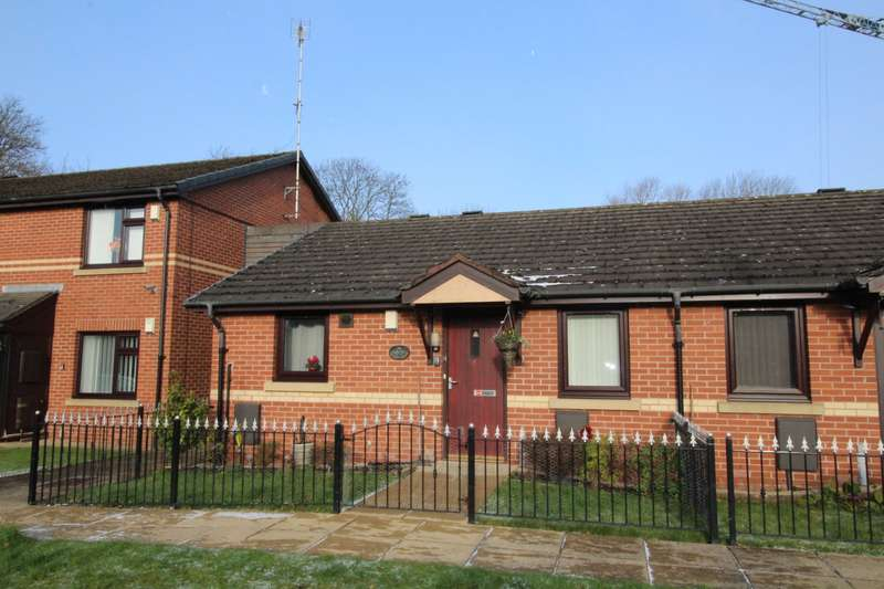 2 Bedrooms Bungalow for sale in Bowling Road, Gorton, Manchester, M18