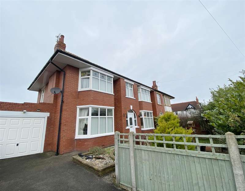 3 Bedrooms Semi Detached House for sale in Denford Avenue, Lytham St Annes