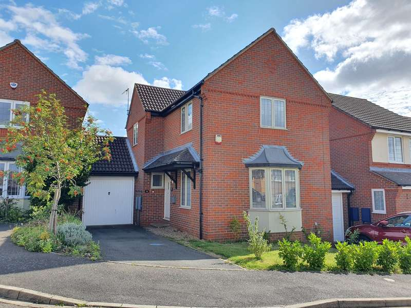 3 Bedrooms Detached House for sale in Wingate Drive, Ampthill, Bedfordshire, MK45