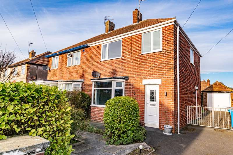 3 Bedrooms Semi Detached House for sale in Roseway, Lytham St Annes, FY8