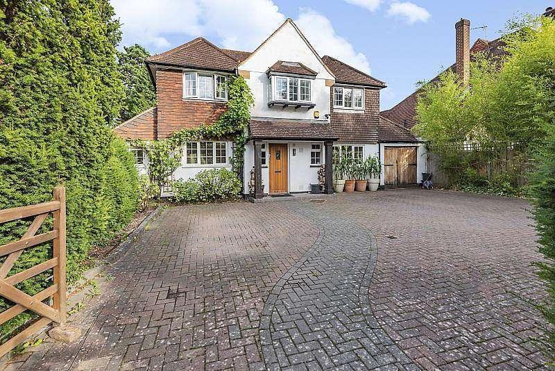 6 Bedrooms Detached House for sale in Arbrook Lane, Esher, KT10
