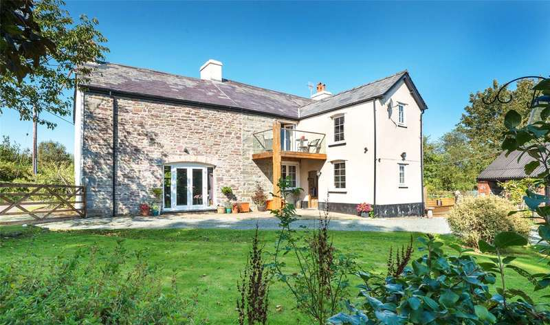 6 Bedrooms Detached House for sale in Cray, Brecon, Powys, LD3 8YN