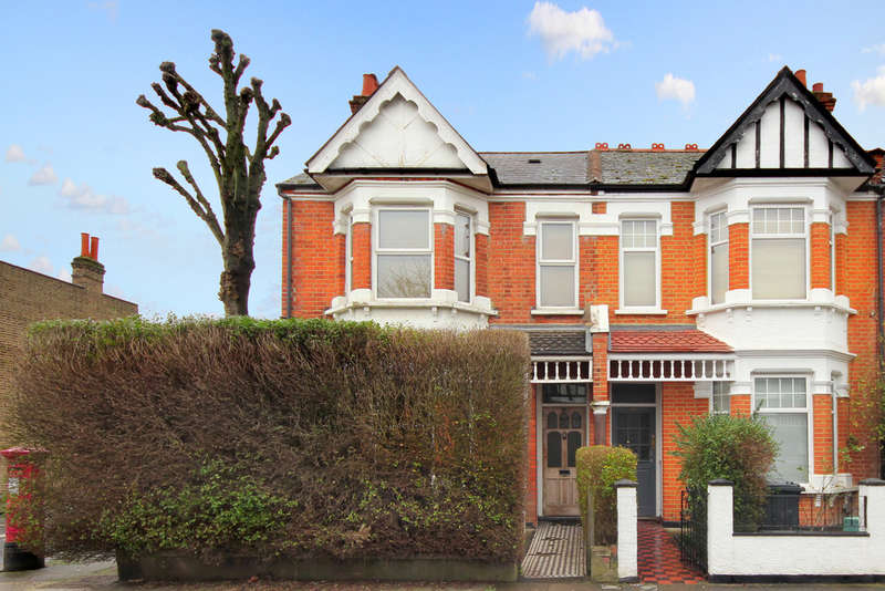 1 Bedroom Ground Flat for sale in Adelaide Road, W13