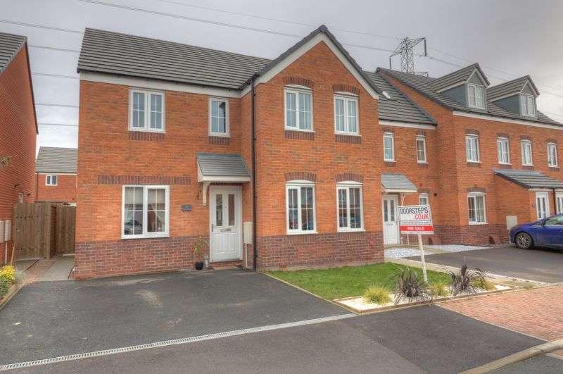 4 Bedrooms Property for sale in Lancer Road, Shrewsbury