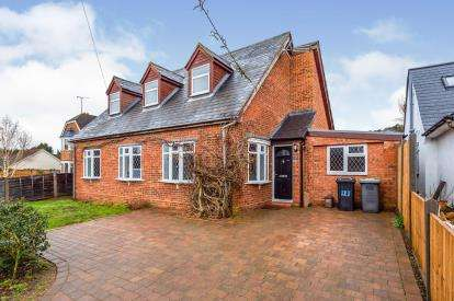 3 Bedrooms Detached House for sale in Clophill Road, Maulden, Bedford, Bedfordshire