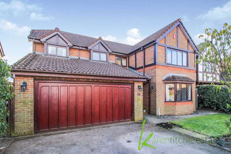 4 Bedrooms Detached House for sale in Talbenny Close, Bolton