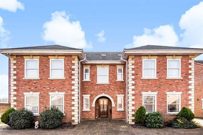5 Bedrooms Detached House for sale in Manor Drive, Skegness, Lincolnshire, PE25 1GN