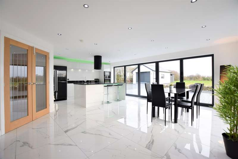 4 Bedrooms Detached House for sale in Church Lane, Hambleton