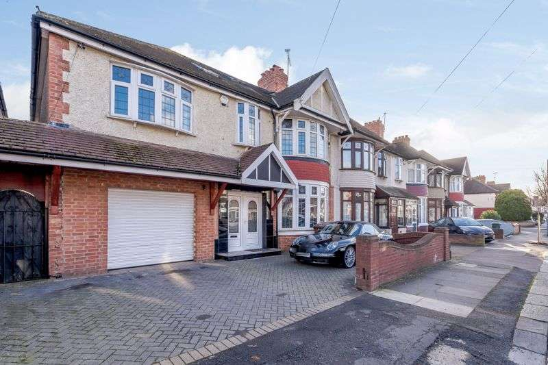 7 Bedrooms Property for sale in Dawlish Drive, Ilford, IG3