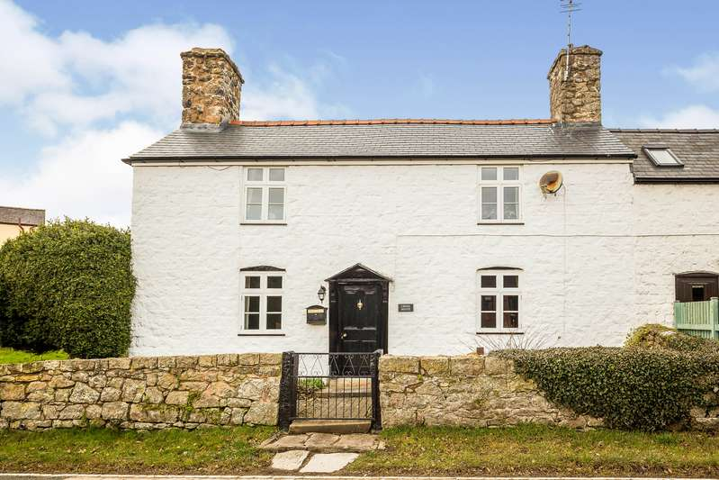 3 Bedrooms Semi Detached House for sale in Trefonen, Oswestry, Shropshire, SY10
