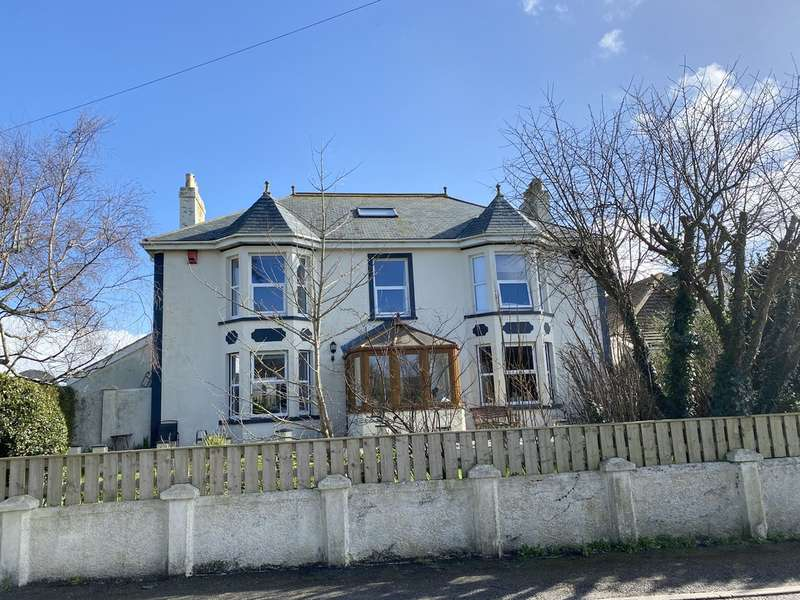 5 Bedrooms Detached House for sale in Trelissick Road, Hayle
