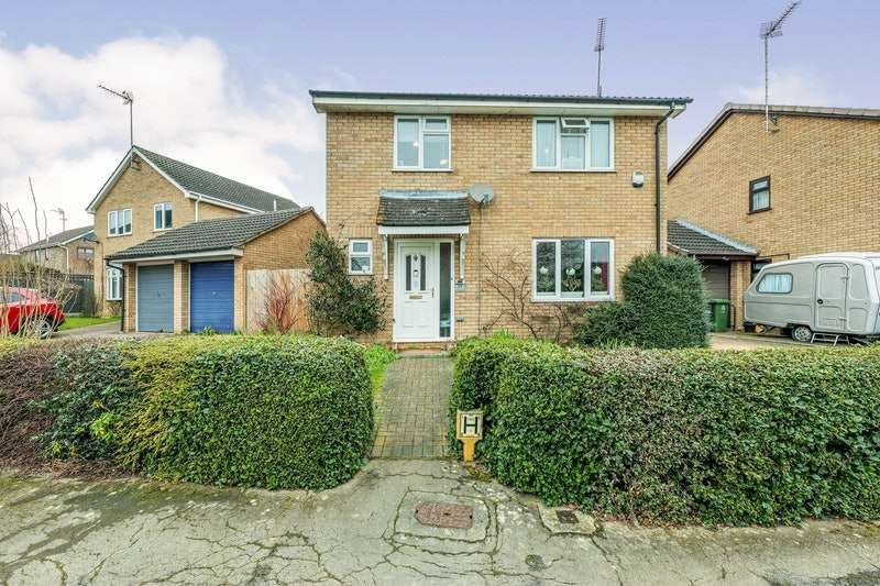 4 Bedrooms Detached House for sale in Crabapple Close, Huntingdon, Cambridgeshire, PE28