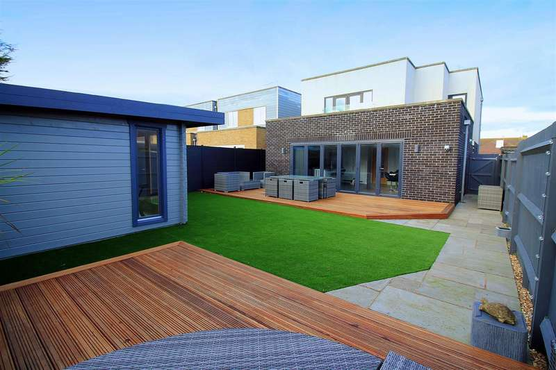 5 Bedrooms House for sale in The Meadway, Shoreham-By-Sea