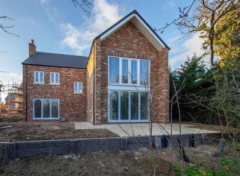 5 Bedrooms Detached House for sale in The Old Orchard, Gravenhurst