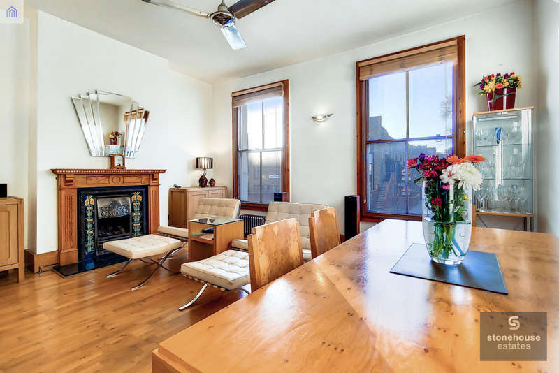 2 Bedrooms Maisonette Flat for sale in Junction Road , Archway