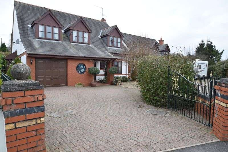 4 Bedrooms Property for sale in The Hawthorns, Newport