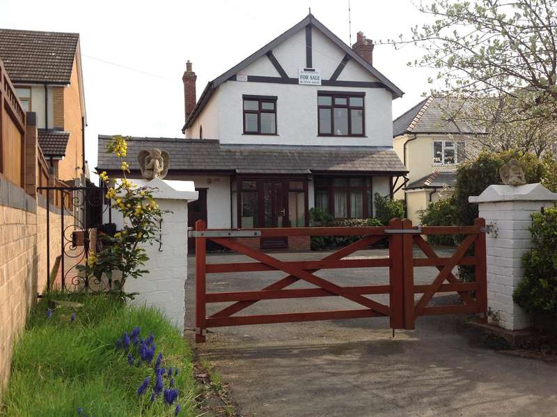 3 Bedrooms Detached House for sale in Highley, Shropshire
