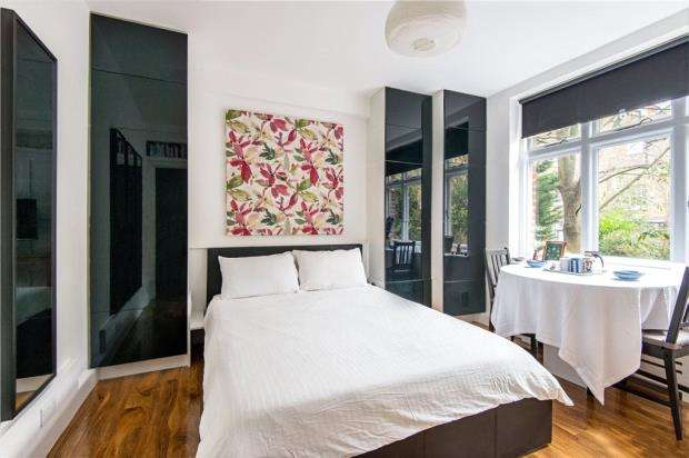 Apartment Flat for sale in Abercorn Place, London, NW8