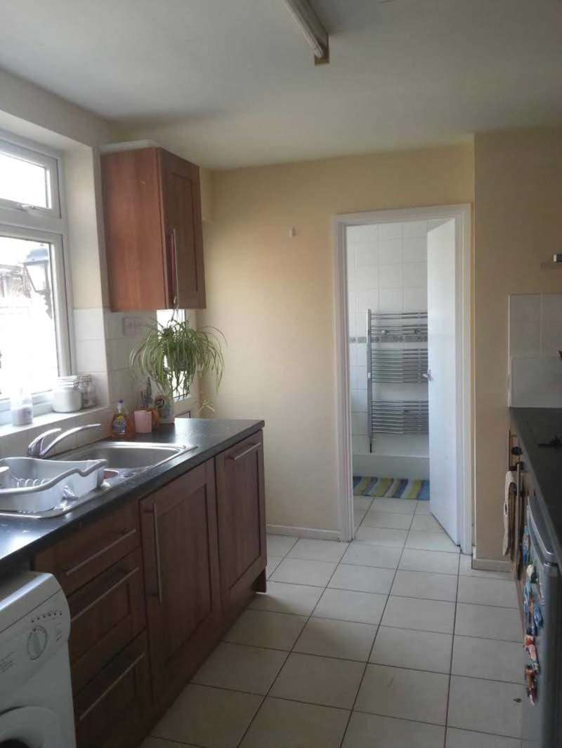4 Bedrooms Terraced House for sale in Hightown Road, Luton