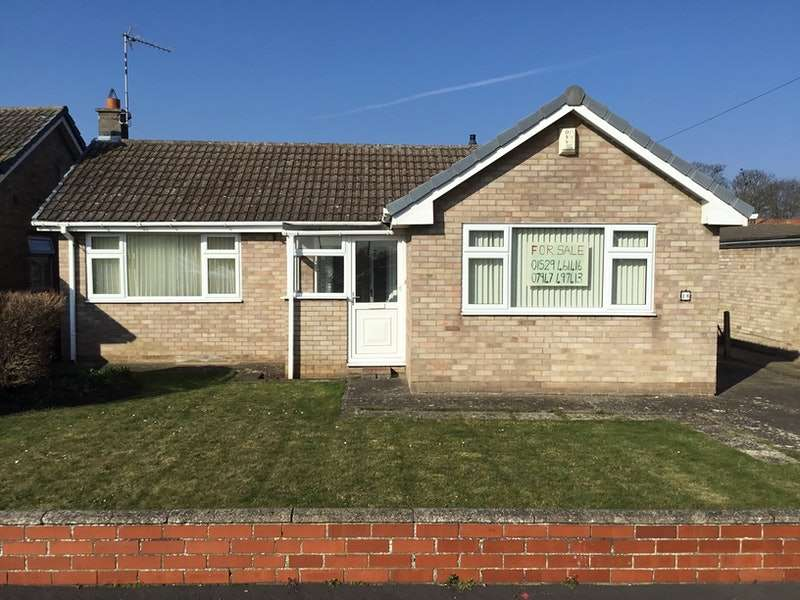 2 Bedrooms Bungalow for sale in Park Avenue, Sleaford, Lincolnshire, NG34