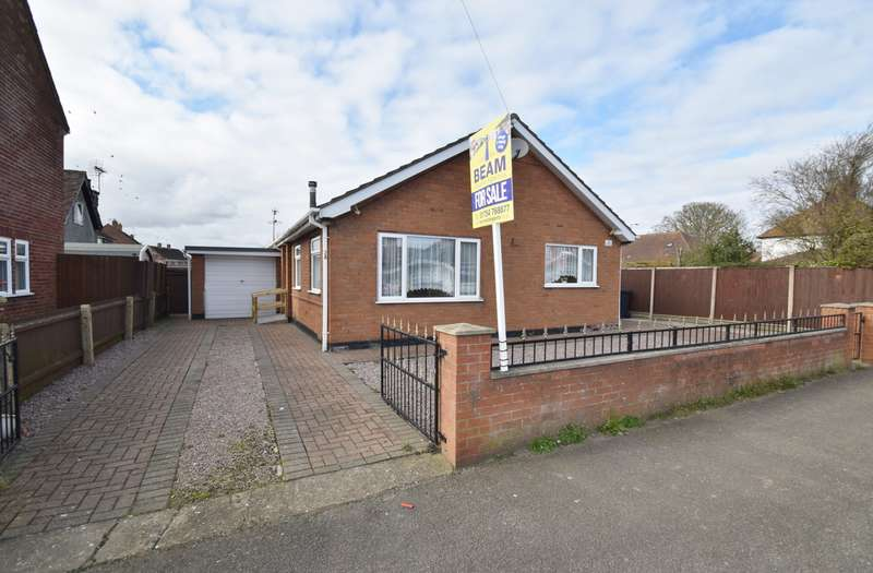 2 Bedrooms Bungalow for sale in Lyndhurst Avenue, Skegness, PE25