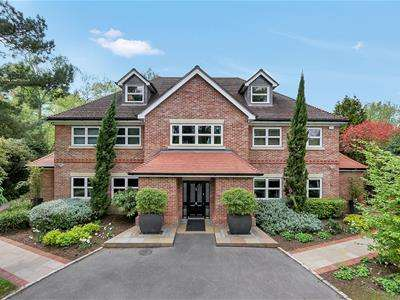 5 Bedrooms House for sale in Winkfield Road, Ascot