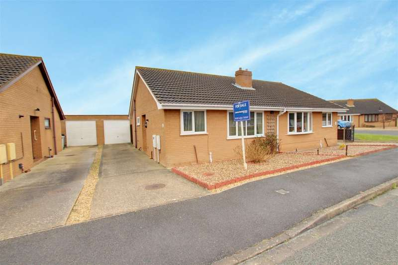 2 Bedrooms Semi Detached Bungalow for sale in The Green, Mablethorpe