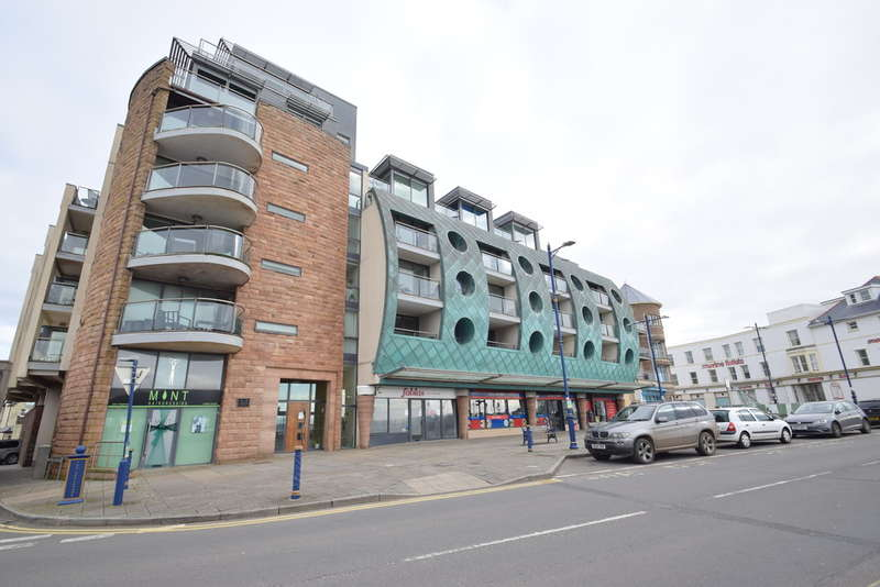 2 Bedrooms Flat for sale in 18 Esplanade House, Porthcawl, Bridgend, Bridgend County Borough, CF36 3YE