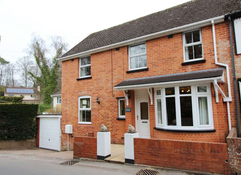 3 Bedrooms Semi Detached House for sale in Toadpit Lane, West Hill