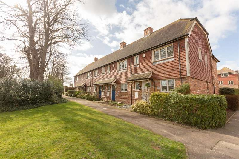 3 Bedrooms Terraced House for sale in St Augustines Park, WESTGATE-ON-SEA