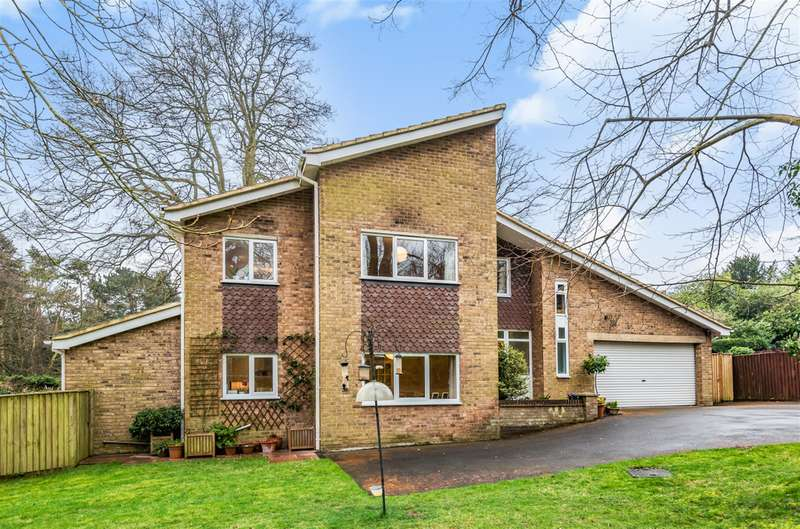 4 Bedrooms Detached House for sale in St. Marys Park, Louth, LN11 0EF