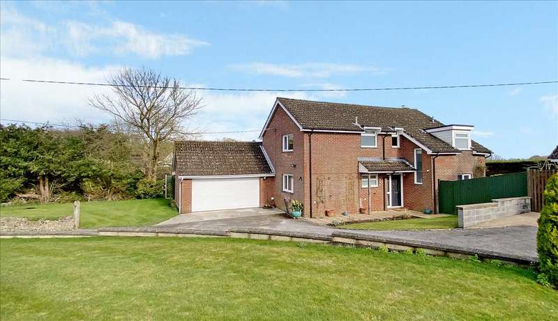 4 Bedrooms Detached House for sale in Leyfield, Everleigh, Marlborough