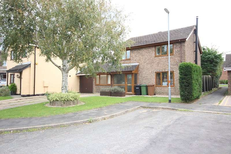 3 Bedrooms Detached House for sale in Palmer Close, Wellingborough, Northamptonshire. NN8 5NX