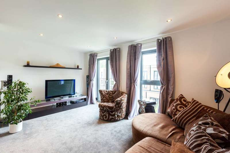 3 Bedrooms Flat for sale in Dundas Road, Brixton, SW9