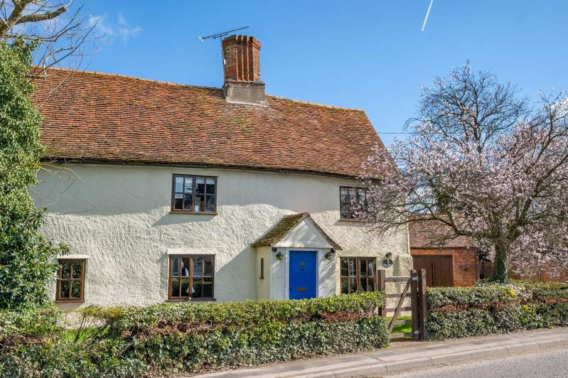 3 Bedrooms Detached House for sale in Dunmow Road, Leaden Roding, DUNMOW
