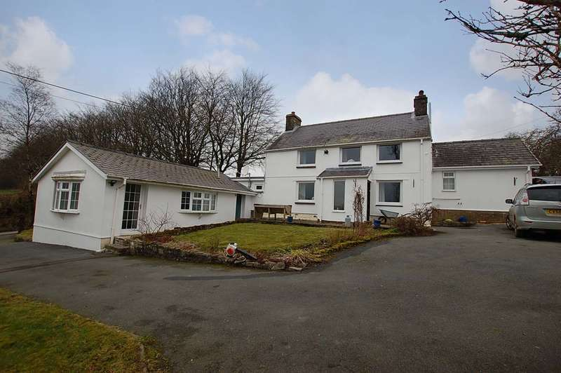 4 Bedrooms Detached House for sale in Mydroilyn CEREDIGION