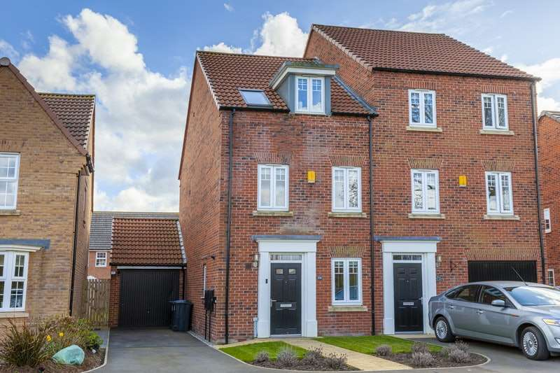 3 Bedrooms Semi Detached House for sale in Blackthorn Road, Northallerton, Tyne and Wear, DL7
