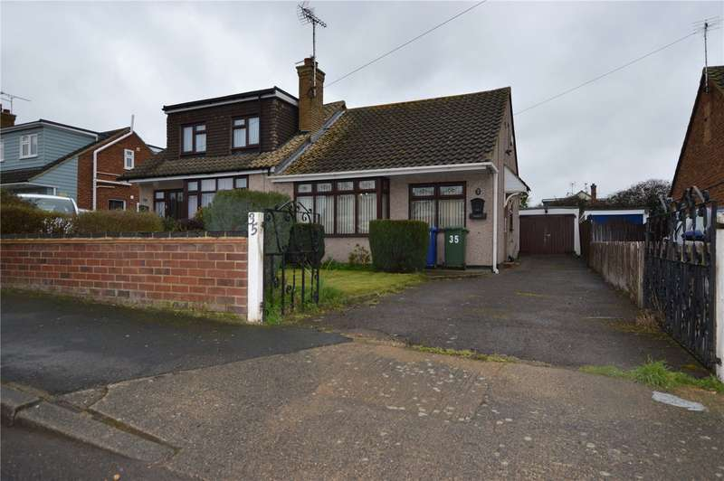 2 Bedrooms Semi Detached Bungalow for sale in Thames Crescent, Corringham, Stanford-le-Hope, SS17