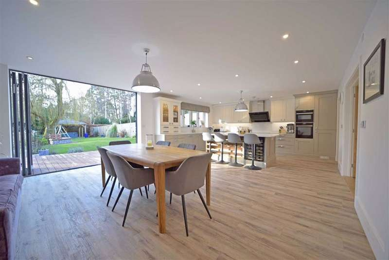 4 Bedrooms Detached House for sale in Sywell
