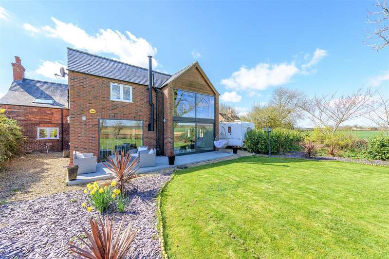 5 Bedrooms Detached House for sale in Aswardby, Spilsby
