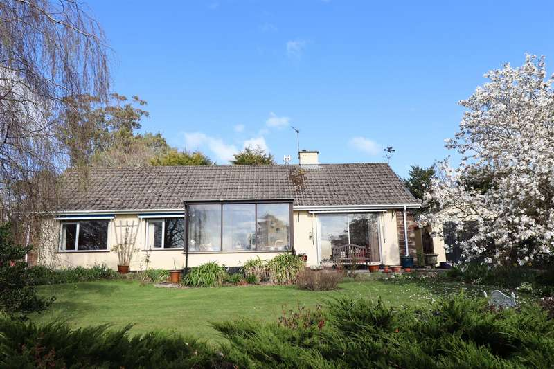 3 Bedrooms Detached Bungalow for sale in Roseland Peninsula