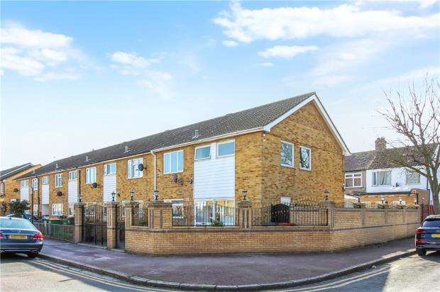 4 Bedrooms Terraced House for sale in Alverstone Road, Manor Park, London